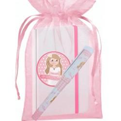 Presente de comunhão com caderno e caneta em saco de organza